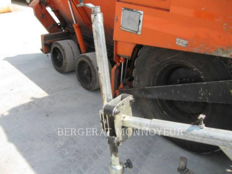 Used caterpillar stabilizers reclaimers 2 011 ap300 for for Gondreville 54