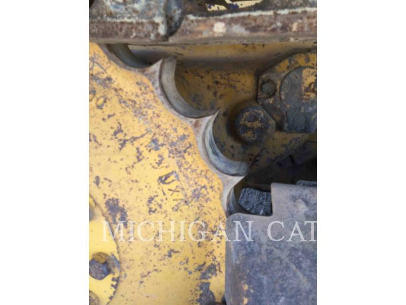 JOHN DEERE TRACK TYPE TRACTORS 450G equipment  photo 13