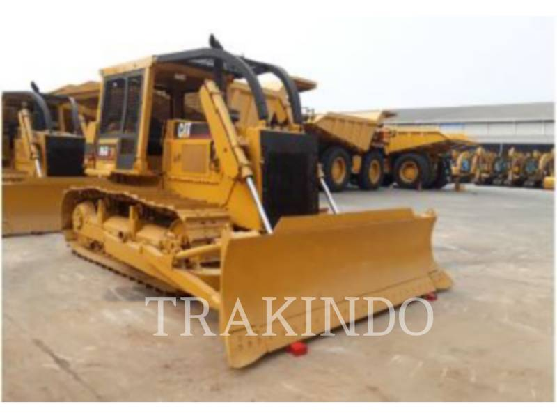 CATERPILLAR TRACK TYPE TRACTORS D6G equipment  photo 1
