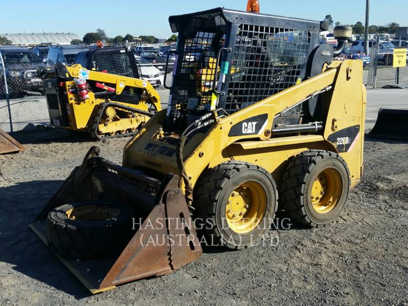 CATERPILLAR CHARGEURS COMPACTS RIGIDES 226B2 equipment  photo 1