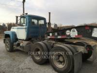 MACK CAMIONES DE CARRETER R223 equipment  photo 6