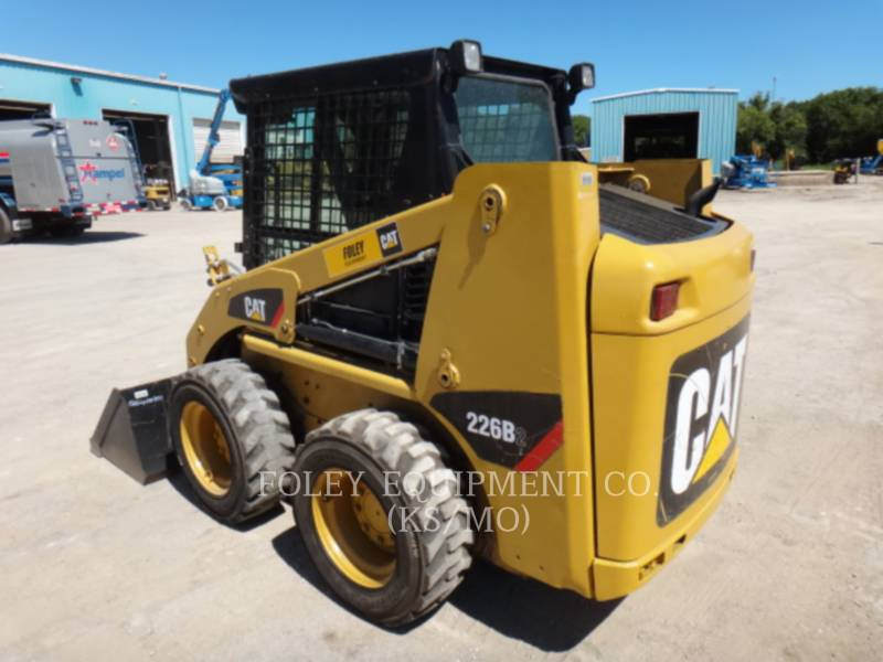 CATERPILLAR SKID STEER LOADERS 226B2 equipment  photo 3
