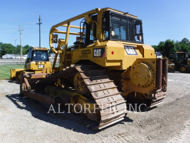 CATERPILLAR TRACK TYPE TRACTORS D6T LGP W equipment  photo 5