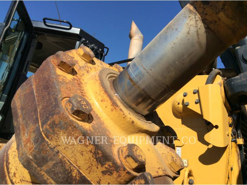 CATERPILLAR TRACTEURS SUR CHAINES D8T equipment  photo 10