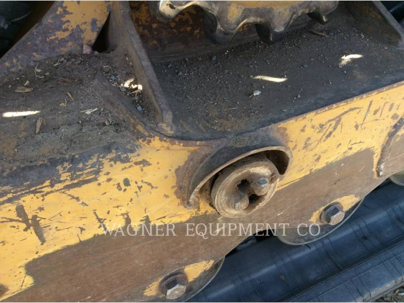 CATERPILLAR CHARGEURS COMPACTS RIGIDES 299C equipment  photo 13
