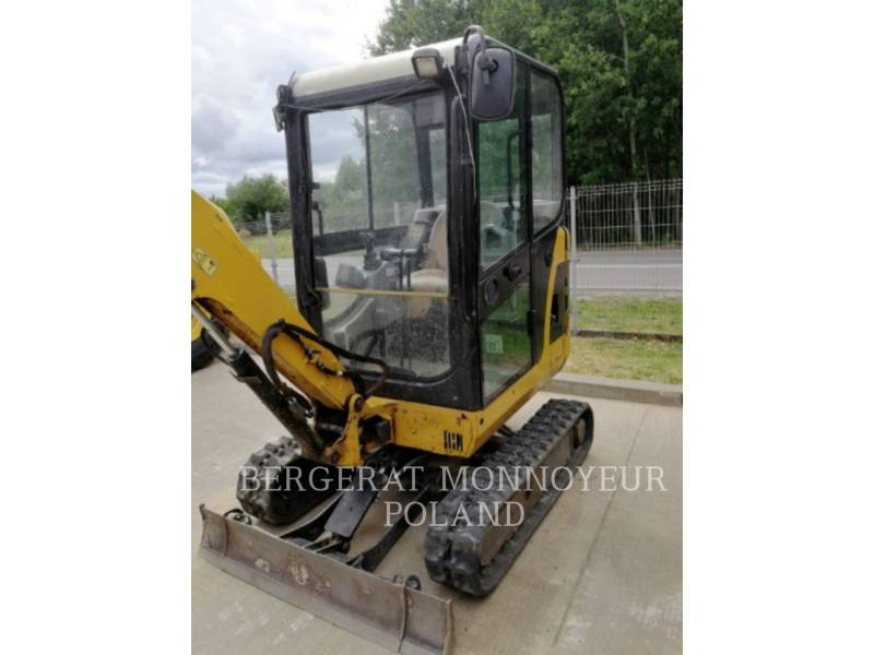 CATERPILLAR TRACK EXCAVATORS 301.8C equipment  photo 6
