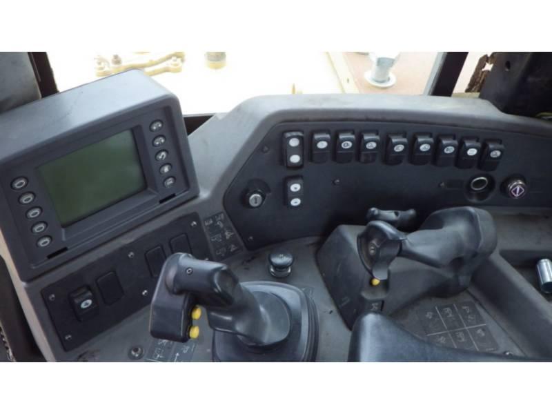 CATERPILLAR TRACTEURS SUR CHAINES D10T equipment  photo 12