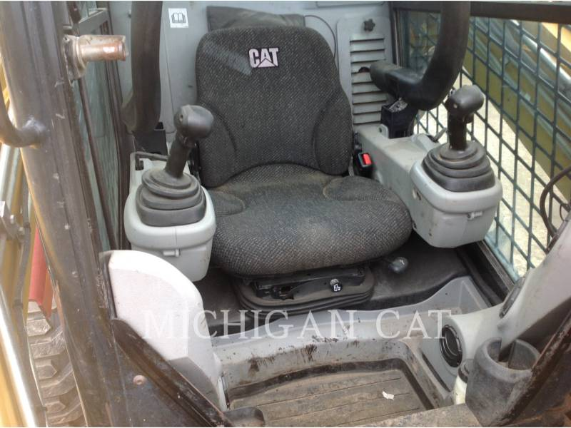 CATERPILLAR MINICARREGADEIRAS 262C AHQ equipment  photo 5