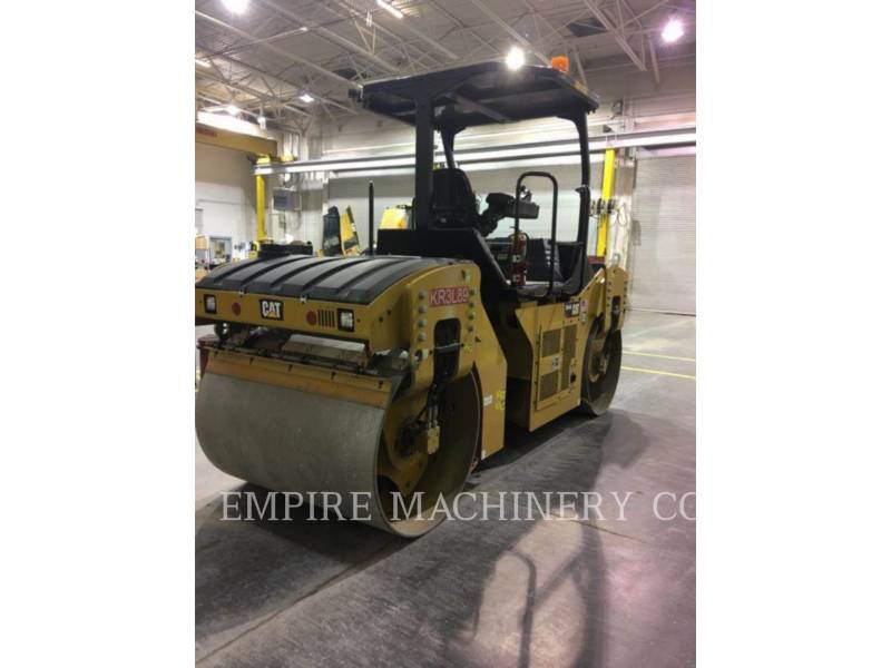 CATERPILLAR COMPACTEURS TANDEMS VIBRANTS CB44B equipment  photo 3