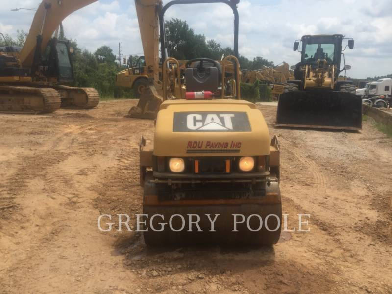 CATERPILLAR VIBRATORY DOUBLE DRUM ASPHALT CB-224E equipment  photo 7