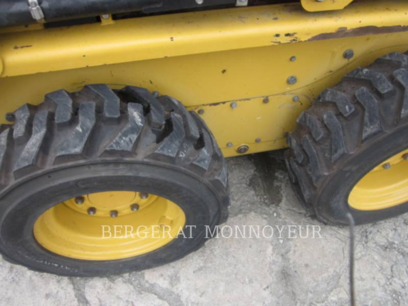 CATERPILLAR MINICARGADORAS 226B3 equipment  photo 7