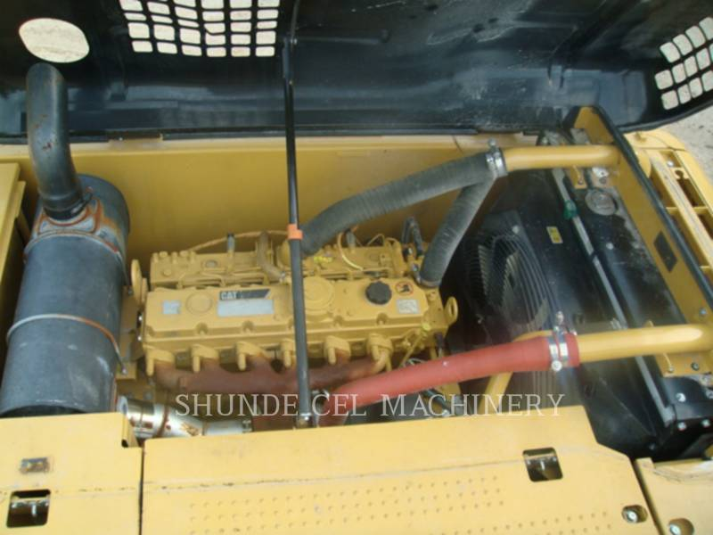 CATERPILLAR KETTEN-HYDRAULIKBAGGER 320D2 equipment  photo 13