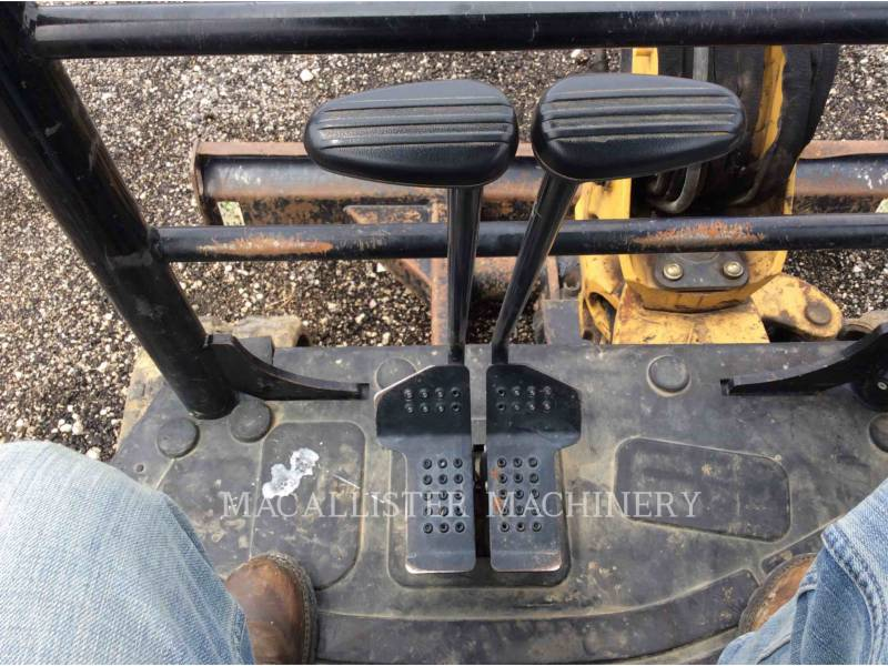 CATERPILLAR EXCAVADORAS DE CADENAS 303.5 E equipment  photo 17