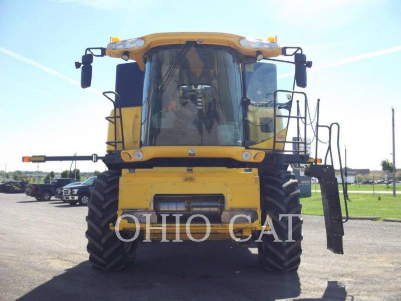 CASE/NEW HOLLAND COMBINES CR9040 equipment  photo 7