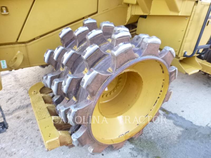 CATERPILLAR TRATORES DE RODAS 815F2 equipment  photo 7