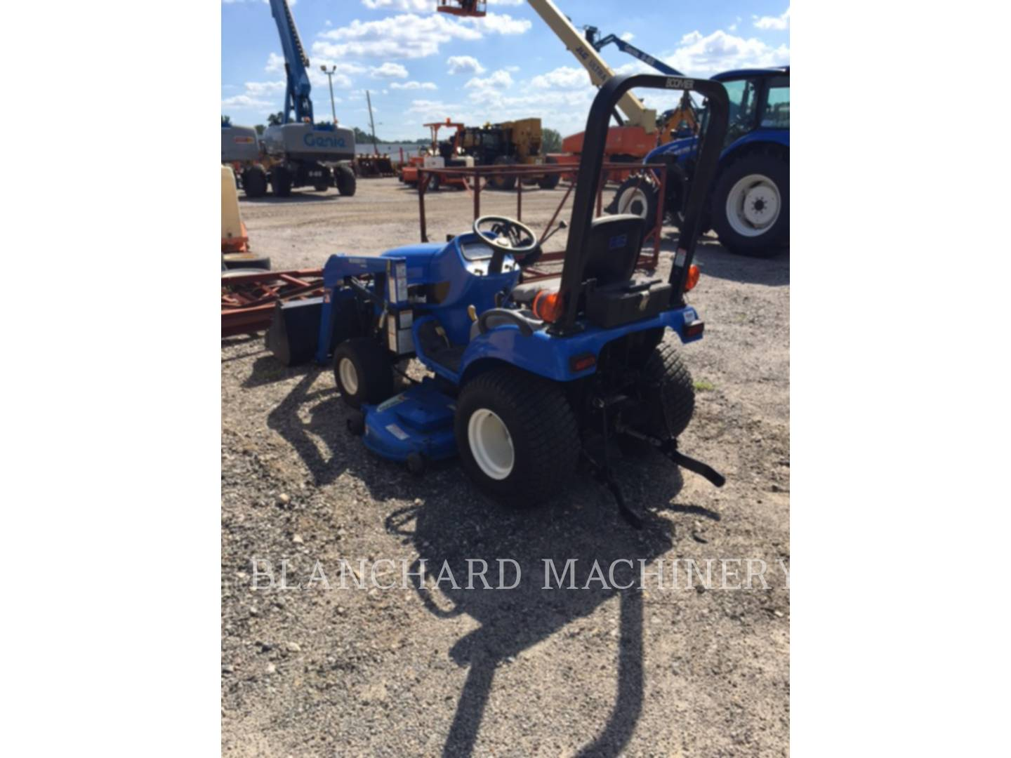 Detail photo of 2005 New Holland TZ22DA from Construction Equipment Guide