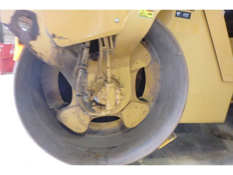 CATERPILLAR VIBRATORY DOUBLE DRUM ASPHALT CB64 equipment  photo 12