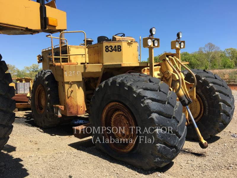 CATERPILLAR TRACTEURS SUR PNEUS 834B equipment  photo 6