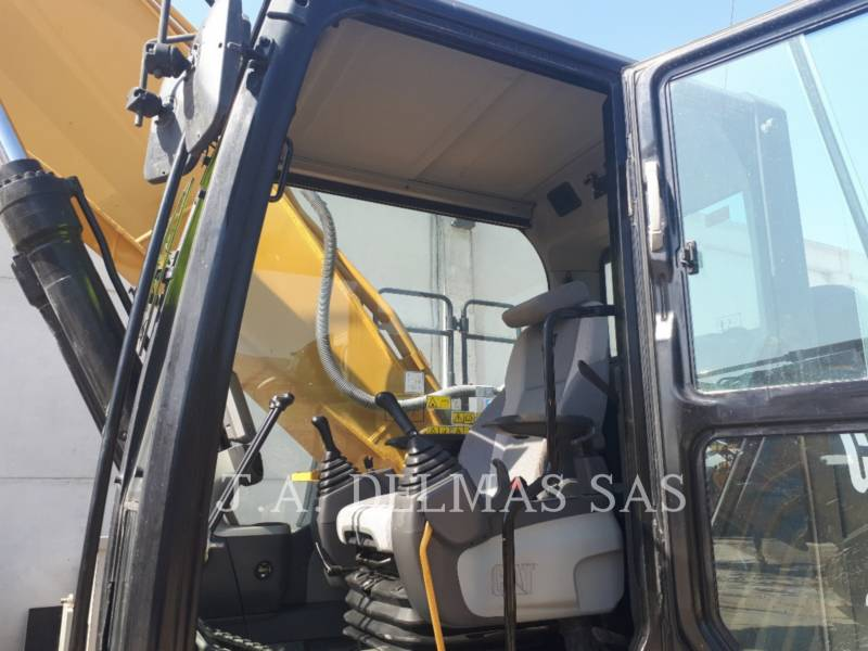 CATERPILLAR ESCAVATORI CINGOLATI 330D2L equipment  photo 6