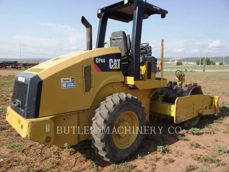 CATERPILLAR ASPHALT PAVERS CP44 equipment  photo 4