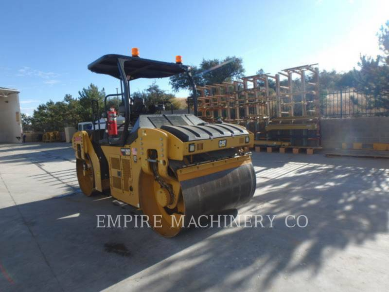 CATERPILLAR COMPACTEURS TANDEMS VIBRANTS CB54B equipment  photo 1