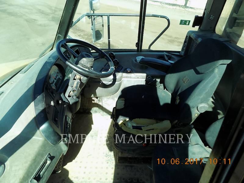 CATERPILLAR CAMIONES ARTICULADOS 735 equipment  photo 9