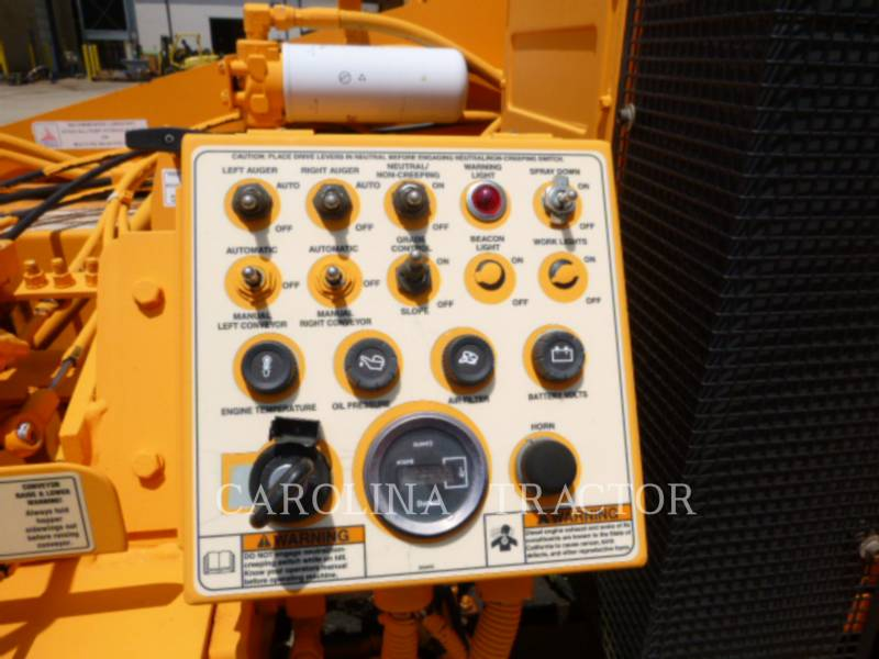 LEE-BOY ASPHALT PAVERS 7000 equipment  photo 9