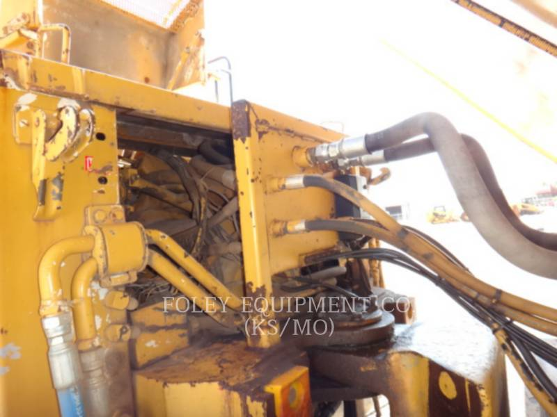 CATERPILLAR VAGONES DE AGUA D25C equipment  photo 11