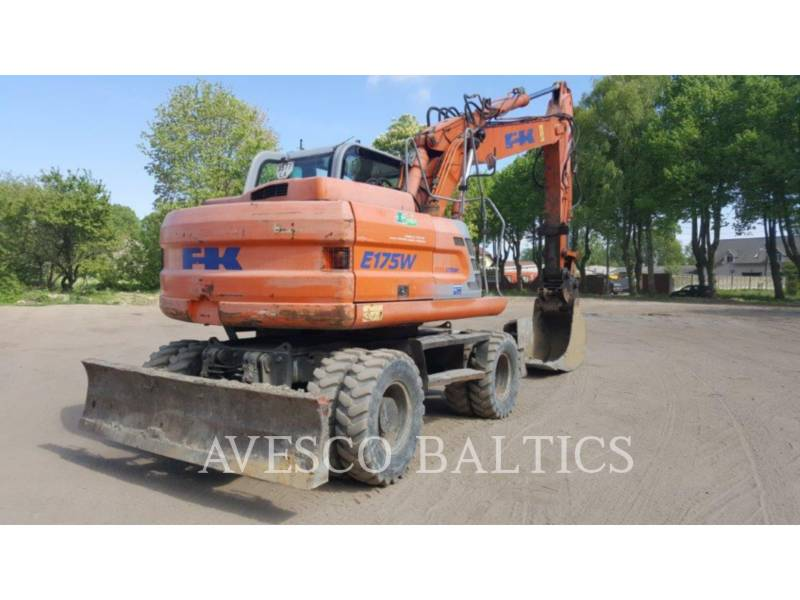 FIAT KOBELCO PELLES SUR PNEUS E175 WT equipment  photo 2