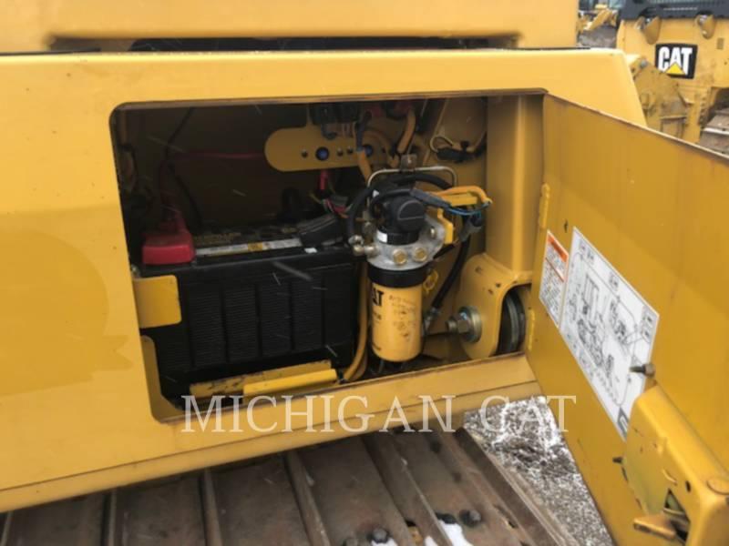 CATERPILLAR KETTENDOZER D4GL equipment  photo 13