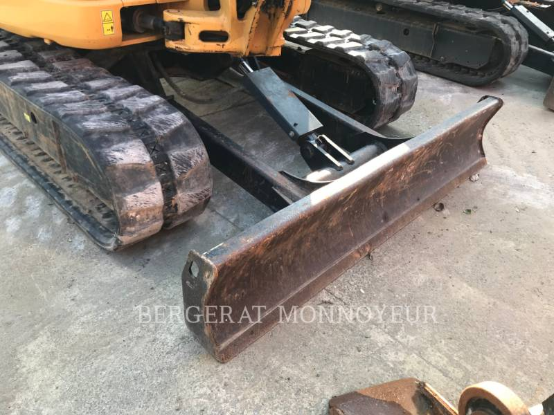 CATERPILLAR TRACK EXCAVATORS 305 D CR equipment  photo 11