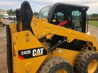 CATERPILLAR 滑移转向装载机 242 D equipment  photo 13