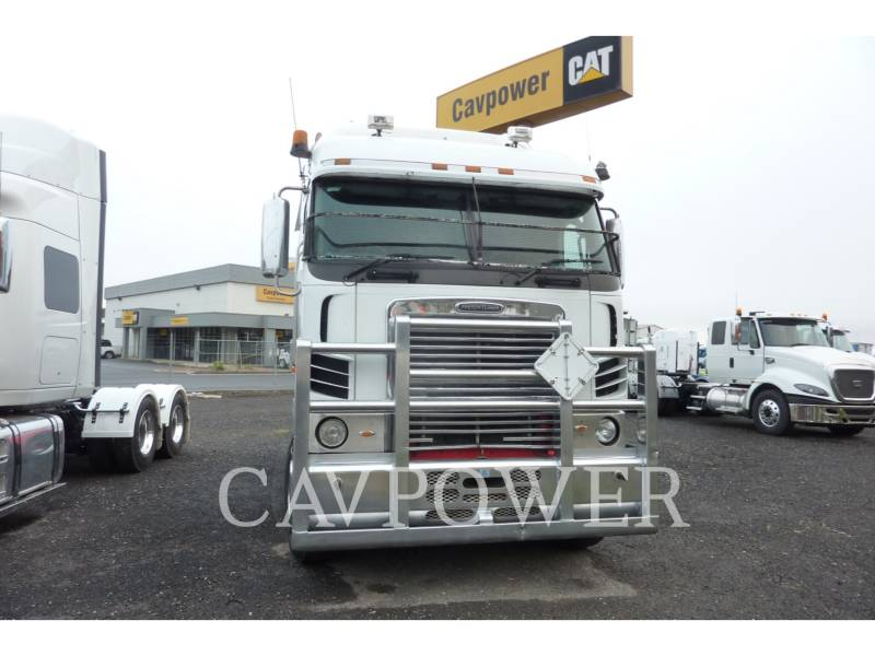 FREIGHTLINER ON HIGHWAY TRUCKS ARGOSY 110 equipment  photo 3