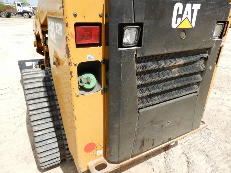 CATERPILLAR CHARGEURS TOUT TERRAIN 239D equipment  photo 21