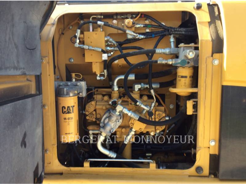 CATERPILLAR TRACK EXCAVATORS 319DL equipment  photo 13