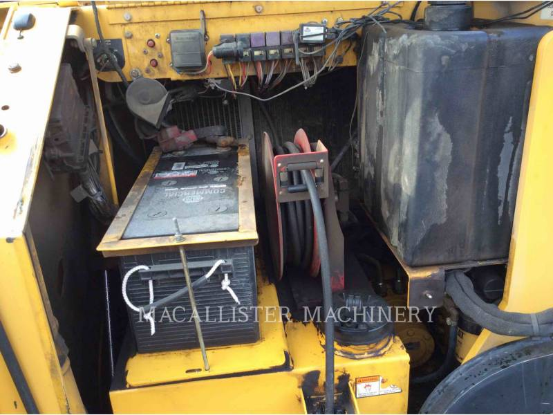 WEILER ASPHALT PAVERS P385 equipment  photo 13
