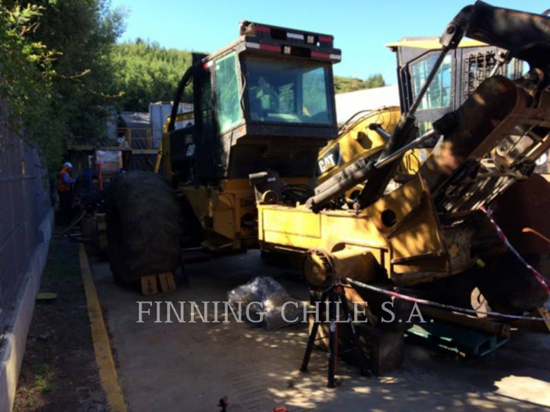 CATERPILLAR EXPLOITATION FORESTIÈRE - DÉBARDEURS 545C equipment  photo 12