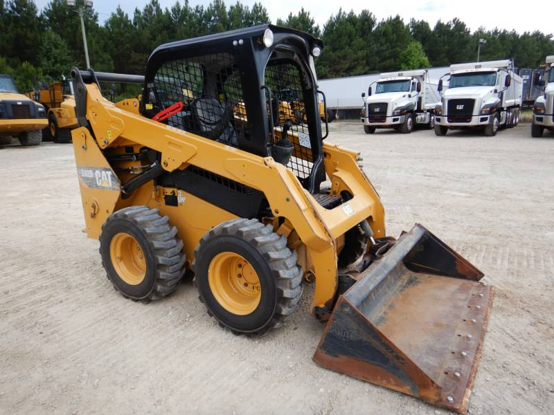 CATERPILLAR PALE COMPATTE SKID STEER 242D equipment  photo 5