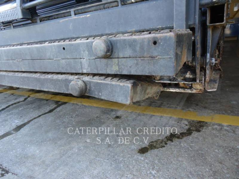 CATERPILLAR ASPHALT PAVERS AP 1000 D equipment  photo 24