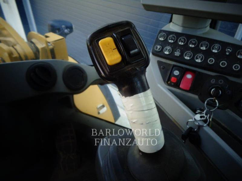 CATERPILLAR ŁADOWARKI KOŁOWE/ZINTEGROWANE NOŚNIKI NARZĘDZI 938K equipment  photo 8
