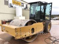 CATERPILLAR COMPACTEUR VIBRANT, MONOCYLINDRE LISSE CS74B equipment  photo 3