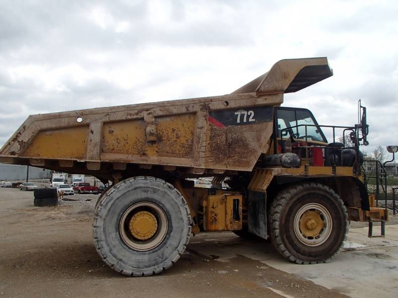 CATERPILLAR TOMBEREAUX DE CHANTIER 772 equipment  photo 2