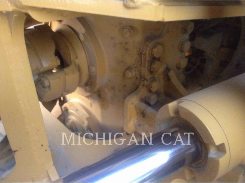CATERPILLAR SAMOCHODY-CYSTERNY 725 WW equipment  photo 16