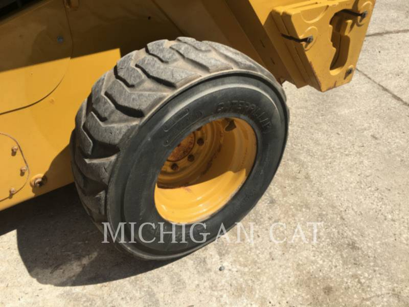 CATERPILLAR MINICARGADORAS 246D A2Q equipment  photo 8