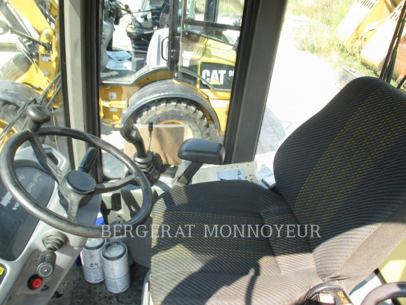 VOLVO CONSTRUCTION EQUIPMENT PALE GOMMATE/PALE GOMMATE MULTIUSO L40B equipment  photo 9