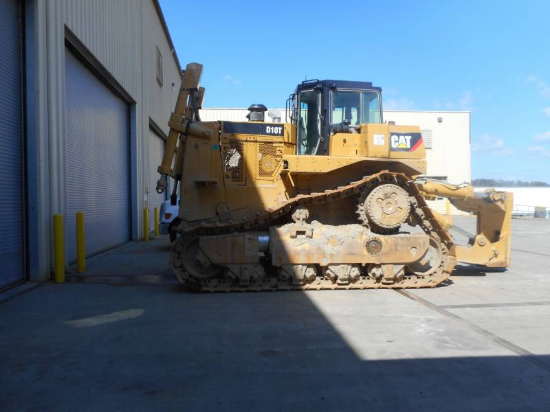 CATERPILLAR TRACTEURS MINIERS D10T equipment  photo 1