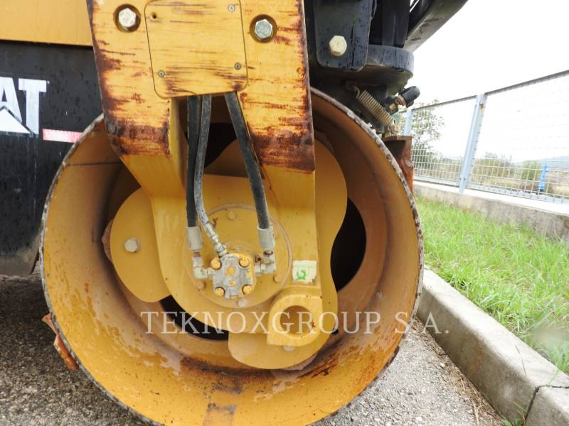 CATERPILLAR VIBRATORY DOUBLE DRUM ASPHALT CB-334EII equipment  photo 21