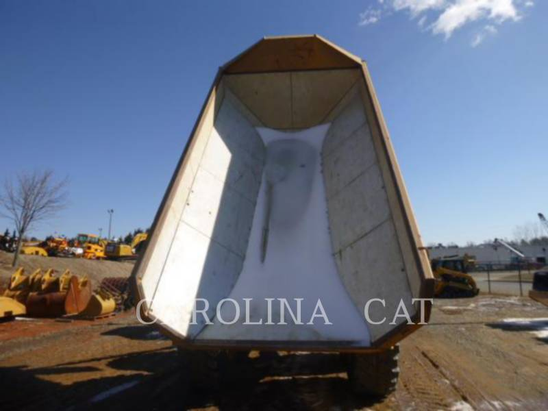 CATERPILLAR CAMIONES ARTICULADOS 730 equipment  photo 8