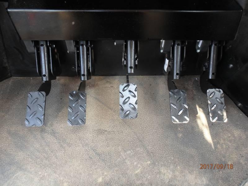 CATERPILLAR FORESTAL - TALADORES APILADORES - DE RUEDAS 553C equipment  photo 13