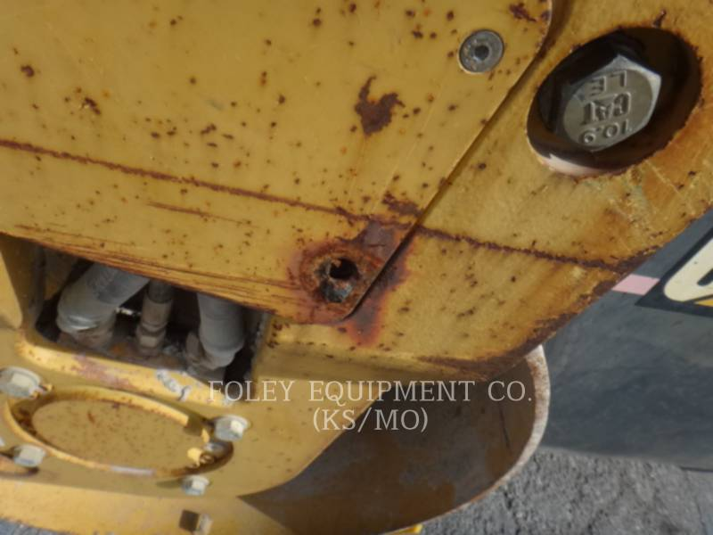 CATERPILLAR TAMBOR DOBLE VIBRATORIO ASFALTO CB-334D equipment  photo 18